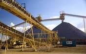 Australia closes gap on China as top global gold producer