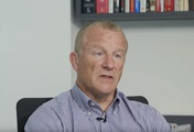 Woodford fund extends withdrawal ban for investors
