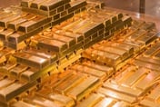 'Gold is the way to go' say experts, as forecasts point at $2,000 per ounce for gold